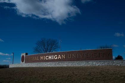 gettyimages 926375066 Central Michigan Student Dies After Falling Down Stairs
