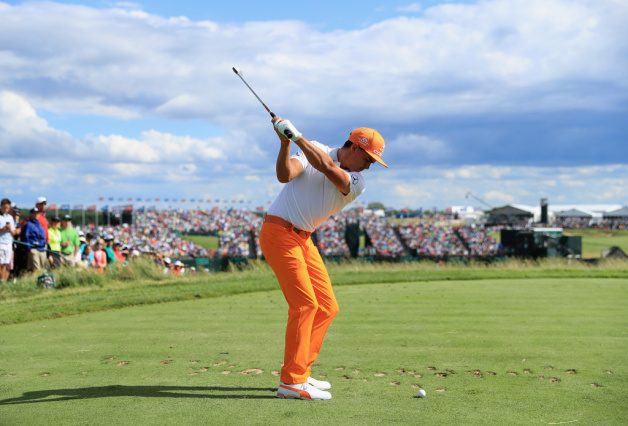Rickie Fowler of the United States plays his shot from the ninth tee during the final round of the 2017 U.S. Open at Erin Hills on June 18, 2017 in Hartford, Wisconsin.