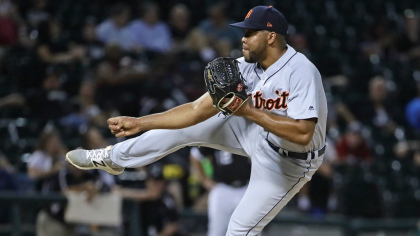 gettyimages 1026816438 Fan Injured By Foul Ball In Tigers 8 3 Win Over White Sox