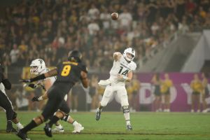 gettyimages 1033378180 Lewerke On The Spot Against Michigans Tough Defense