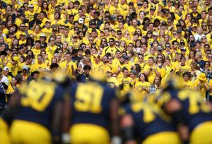 gettyimages 1037914816 Big Deal, Big House: Wisconsin Poses Tough Test For Michigan