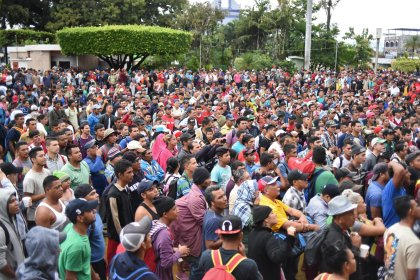 s100444631 1 Migrant Caravan Reaches Mexico Guatemala Border