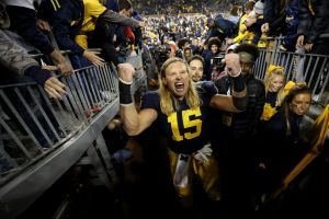 gettyimages 1052088666 Michigans Chase Winovich Calls Conor McGregor Big Brother