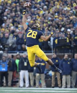 gettyimages 1057021806 No. 4 Michigan Takes On Rutgers As A Heavy Favorite