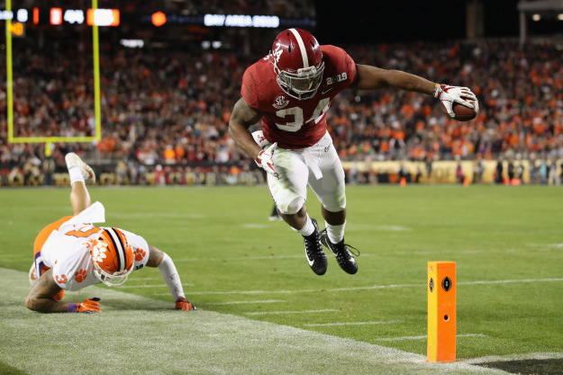 gettyimages 1079274138 AP Has Clemson No.1, Alabama 2