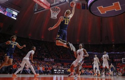 gettyimages 1080530764 e1547238528294 No. 2 Michigan Improve To 16 0 Beats Illinois 79 69
