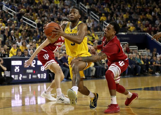 gettyimages 1090605836 Wolverines Stay Perfect With 74 63 Win Over Indiana