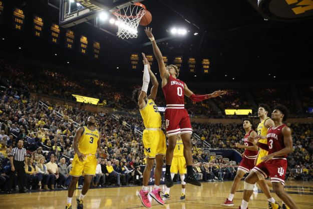 gettyimages 1090647470 Wolverines Stay Perfect With 74 63 Win Over Indiana
